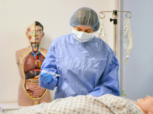 Surgeon simulating procedure during human factors usability study.